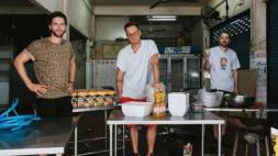 StukTV en Conimex openen streetfood pop-up restaurant in Bangkok