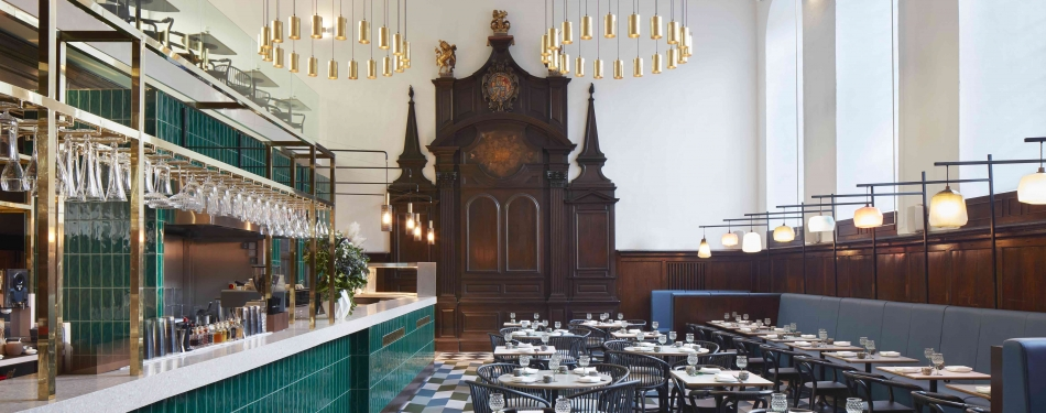 Hip kunst- en designrestaurant in Londense kerk